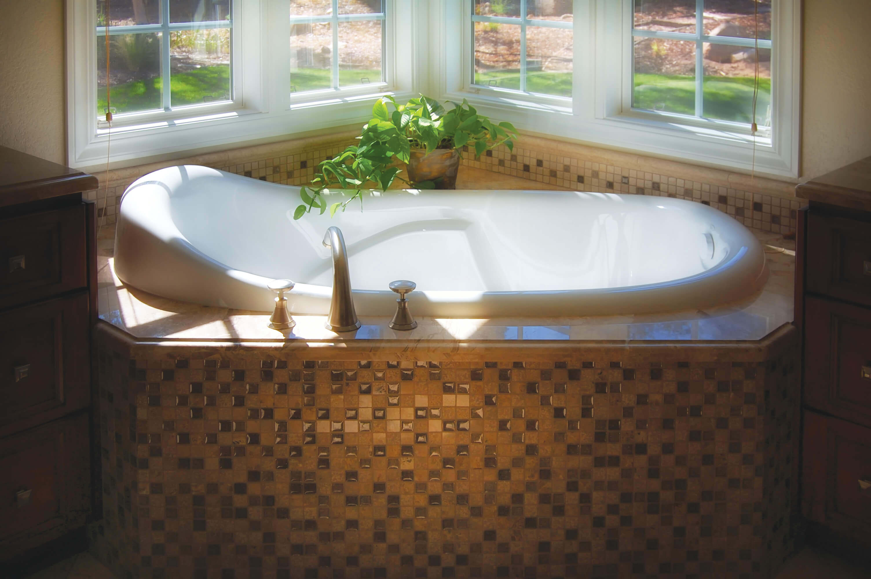 Hydro Systems Customized Bathtubs