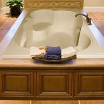 Makyla Rectangle Bathtub