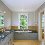 Malia Oval Bathtub