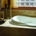 Yvette Oval Bathtub